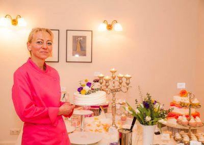 Konditormeisterin Monika Marga präsentiert einen Ihrer süßen Träume
